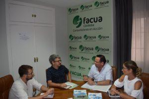 Fotografi&#769_a reunio&#769_n de Ganemos con Facua