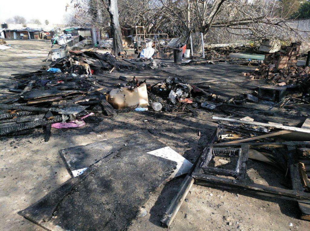 Restos del asentamiento incendiado en el Cordel de Écija